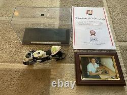 1/12 Minichamps Signed James Toseland WSB 2007 with COA and Display Case