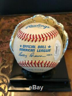 Autographed Baseball MICKEY MANTLE NY YANKEES JSA COA DISPLAY CASE