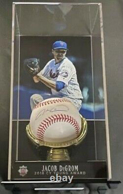 Jacob Degrom autographed baseball with Display Case. COA Fanatics