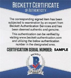 Magic Johnson Signed Basketball with Beckett COA Display Case NBA Spalding Auto