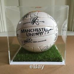 Manchester United 2003 Squad Signed Football Display Case & COA Sir Alex