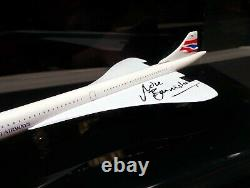 Model Concorde in Acrylic Display Case Signed Pilot Mike BANNISTER AFTAL RD COA