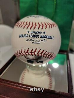 Stunning Mariano Rivera Autographed ball in mirrored display case Steiner COA
