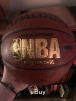 UNBELIEVABLE, MASSIVE BV LARRY BIRD AUTOGRAPH BASKETBALL WithCOA AND DISPLAY CASE