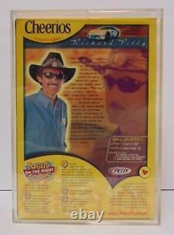 2000 Richard Petty Signé Autographié Nascar Cheerios Box With Coa Display Case