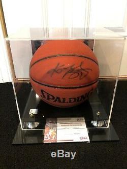 2001 Kobe Bryant Psa / Dna Authentique Autographié De Basket-ball Avec Coa + Cas D'affichage