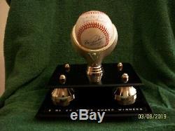 5 Nl Cy Young A Signé Bill White Baseball Avec Cas-coa D'affichage