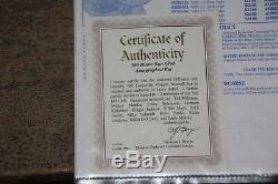 500 Signatures De Batte De Baseball Autographiées Par Le Club Home Run 12 Avec Le Coa Dans Une Vitrine