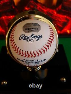A Roy Halladay Signed Mlb Baseball W 2 Holo Coa 's & Personalized Display Case