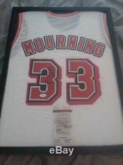 Alonzo Mourning Signé Miami Heat Jersey Avec Coa Et Affichage De Cas