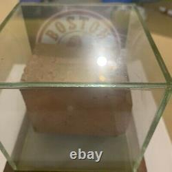 Boston Red Sox Brick Authentique De Fenway Park Avec Boîtier D'affichage Coa Steiner