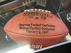 Brett Favre 1997 Pro Bowl Game Publié Autographed Football And Display Case Coa