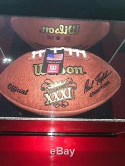 Brett Favre Super Bowl XXXI Autographed Football Et Vitrine