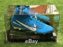 Chaussure De Football Signée Neymar Psg Brésil Barcelone Vitrine Coa