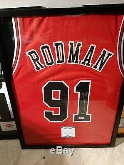 Chicago Bulls Dennis Rodman Jersey Signé Avec Coa Et Cas D'affichage
