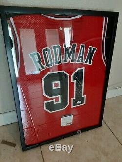 Chicago Bulls Dennis Rodman Jersey Signé Avec Psa Coa Et Cas D'affichage