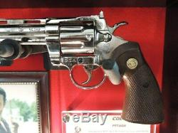 Colt Python Marchant Pistolet Mort Présentant Signé Rick Grimes Édition Limitée! Coa