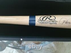 Derek Jeter Bat De Baseball Autographié Main Avec Boîtier D'affichage En Bois- Coa