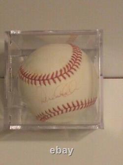 Derek Jeter Mlb New York Yankees Baseball Signés Avec Affichage De Cas Coa Hof Ss