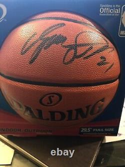 Dominique Wilkins Autographié Nba Basketball Avec Vitrine Atlanta Hawks Avec Coa