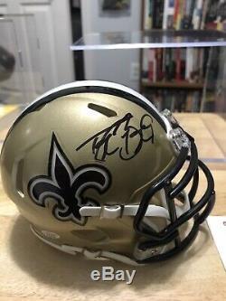 Drew Brees Autographed Or New Orleans Saints Mini Casque (coa) Avec Le Cas D'affichage