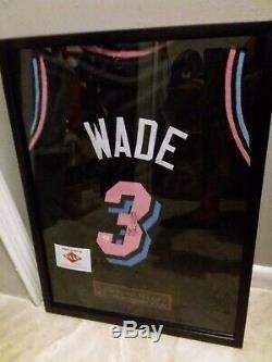 Dwayne Wade Miami Heat Jersey Signé Avec Coa Et Affichage De Cas