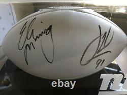 Eli Manning & Justin Tuck Autographié Football Dans Ny Giants Display Case No Coa