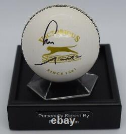 Eoin Morgan Signé Cricket Autograph Ball Présentoir Angleterre Ashes Aftal Coa