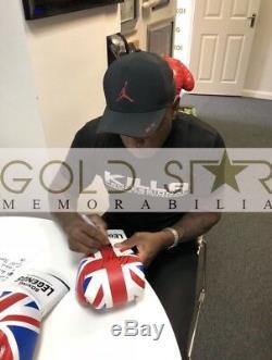 Gant De Boxe Avec Présentoir Double Signé Chris Eubank & Nigel Benn Rare Coa