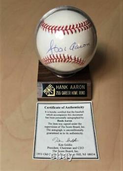 Hank Aaron A Dédicacé Le Baseball Avec Coa Et Vitrine. Livraison Gratuite