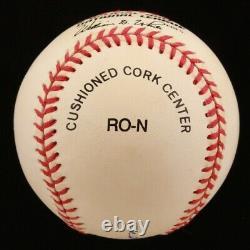 Hank Aaron A Signé Onl Baseball Avec Vitrine (psa Coa)