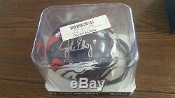 John Elway Denver Broncos Autographed Riddell Mini Casque Withcoa Et Affichage De Cas