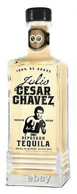 Julio Cesar Chavez Signé Gants De Boxe W Coa Dans Le Boîtier D'affichage W Tequila Decanter