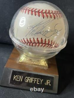 Ken Griffey Jr. Baseball Autographié Avec Aco Et Support De Boîtier D'affichage
