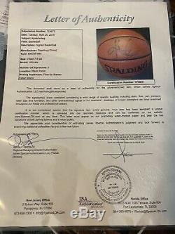 Kyrie Irving A Dédicacé Le Basket-ball En Taille Réelle Avec Jsa Coa En Cas D'affichage