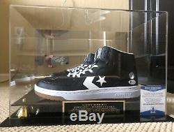 Larry Bird Signé Converse Weapon Chaussures Avec Affichage De Cas Et Beckett Coa