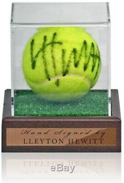 Lleyton Hewitt Signée À La Main Tennis Ball Dans Présentoir Aftal Coa