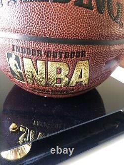 Magic Jhonson Basketball Signé Avec Coa Vitrine Nba Spaulding Mint Condi