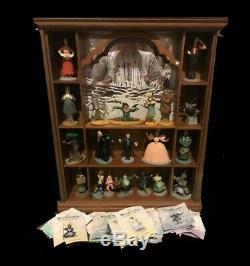 Magicien D'oz Figurines. Franklin Mint Set De 20 Avec Affichage De Cas Et Plans D'action