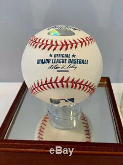 Mariano Rivera Autographe Mlb Baseball W Display Case & Steiner Sports Coa