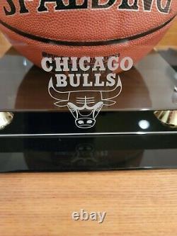 Michael Jordan A Signé Dédicacé Basket Spalding Nba Coa Bulls Vitrine