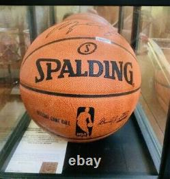 Michael Jordan Autographié Nba Basketball Officiel Avec Uds Coa Et Vitrine