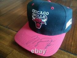 Michael Jordan Autographié / Signé Bulls Hat Avec Coa Et Vitrine