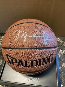 Michael Jordan Signé / Autographié De Basket-ball Avec Coa En Verre Vitrine
