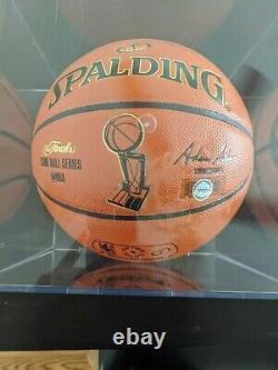 Michael Jordan Signé / Autographié De Basket-ball Avec Coa Et Vitrine