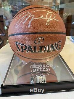 Michael Jordan Signé / Basketball Avec Autograph Coa & Case D'affichage