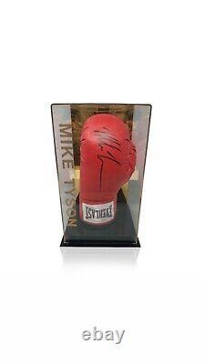 Mike Tyson A Signé Gants De Boxe Champion Du Monde Dans Une Vitrine Aftal Coa