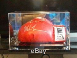 Mike Tyson Autographié Everlast Lh Gant De Boxe Jsa Coa En Cas D'affichage
