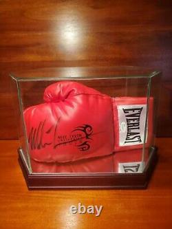 Mike Tyson Autographié Gant De Boxe Avec Coa. Vitrine Incluse