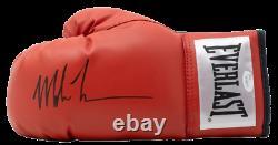 Mike Tyson Signé Everlast Gant De Boxe Avec Vitrine De Haute Qualité (jsa Coa)